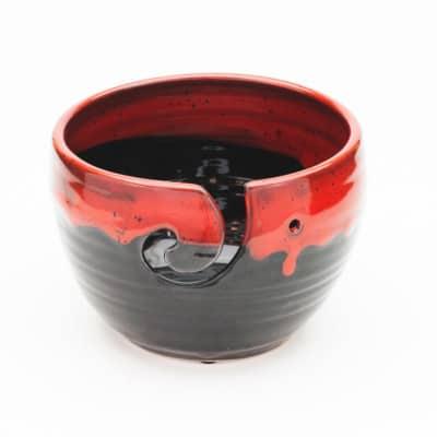 Yarn bowl bloody Glaze